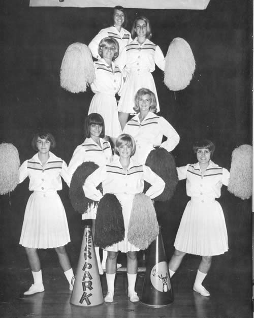 1967 Cheerleaders